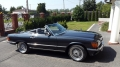 Mercedes W 107 560 SL w wersji cabrio lub hardtop z 1988 r.